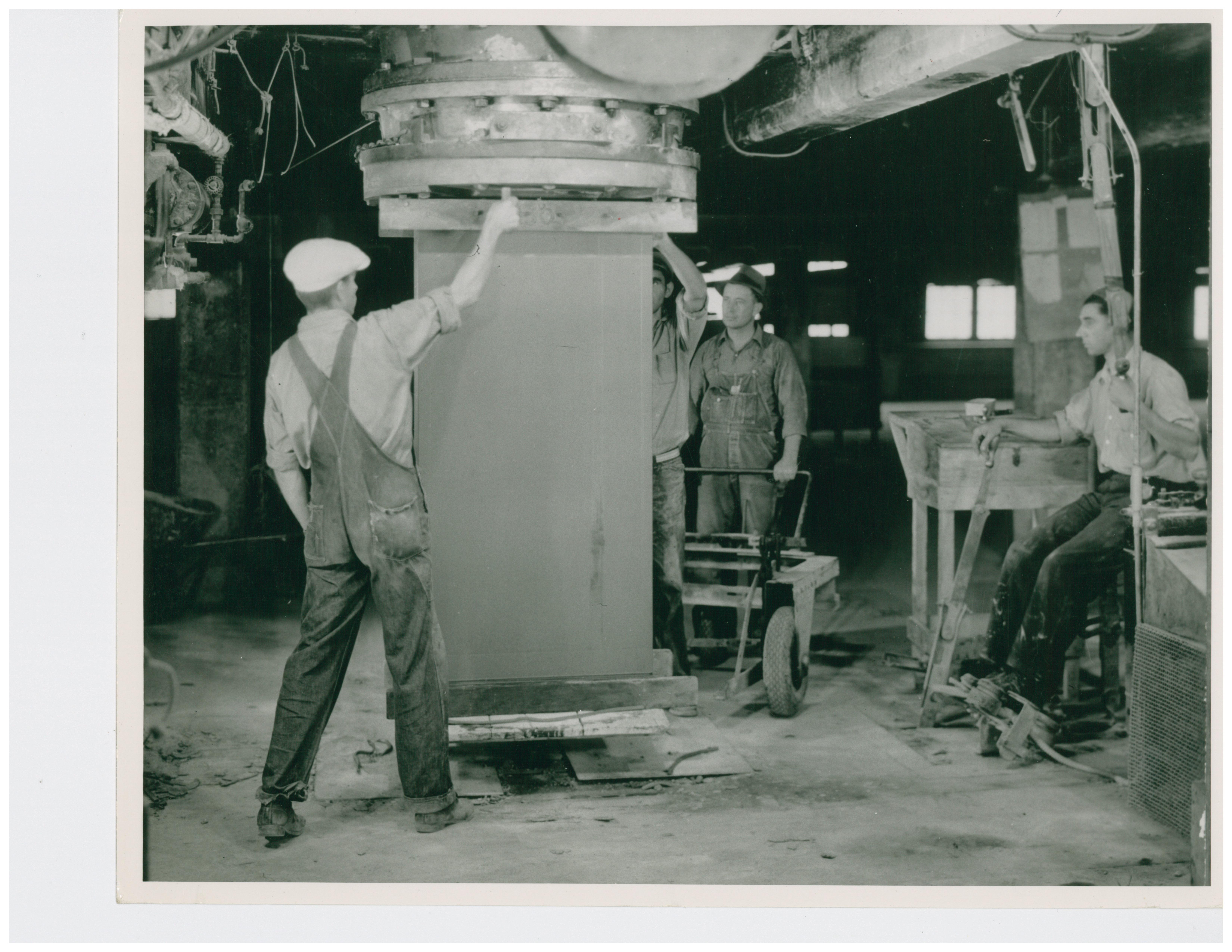 1946 Pipe Press Extruder