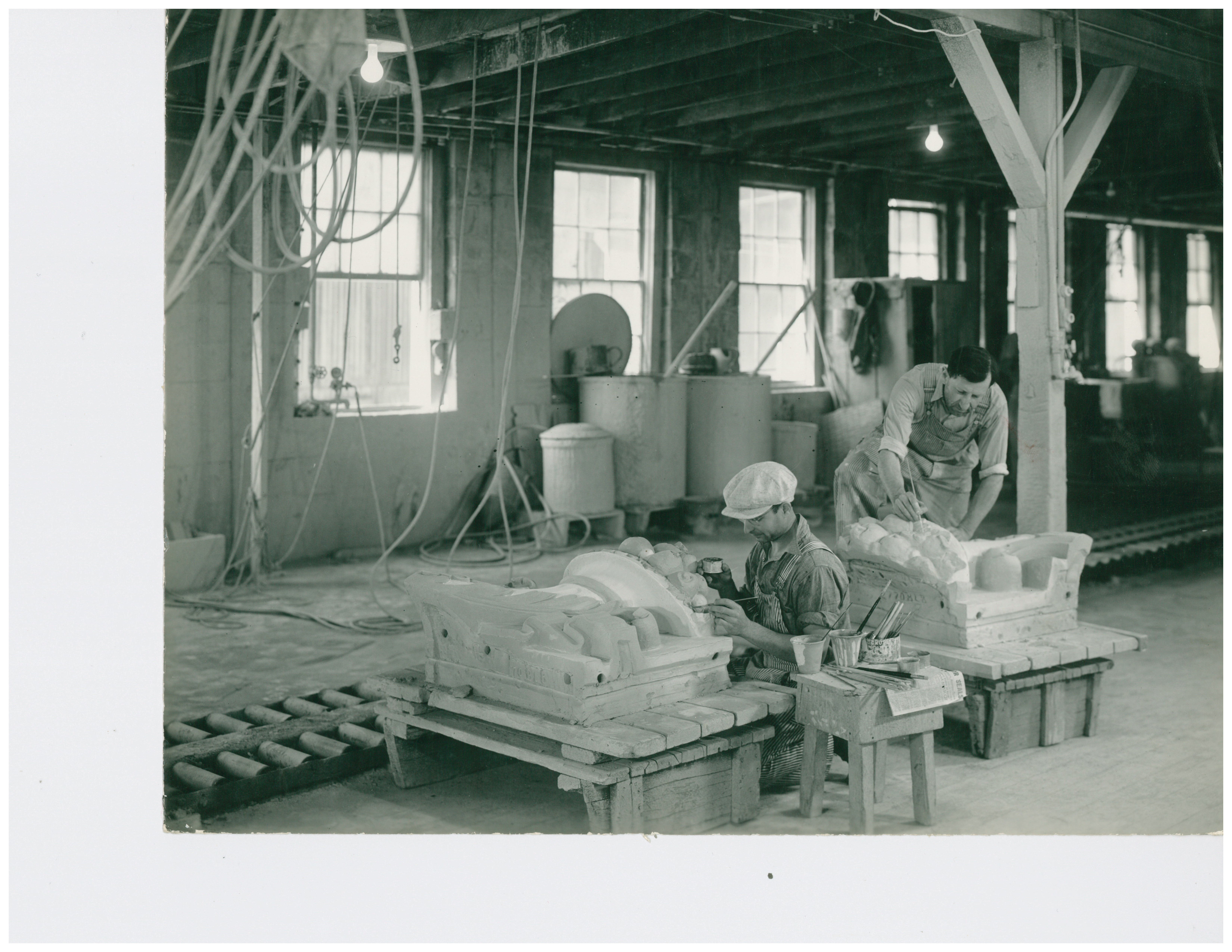 1946 Workers in Sprayroom